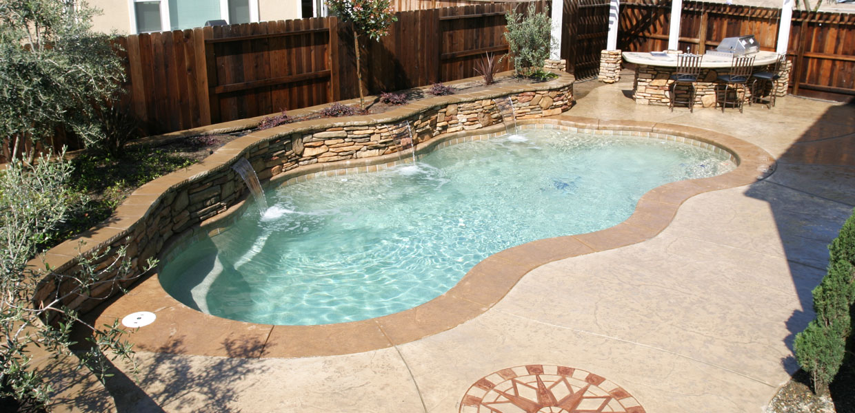 In Ground Amp Above Ground Fiberglass Swimming Pools Spas